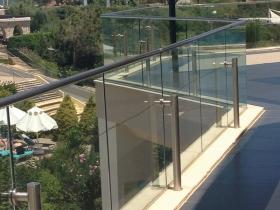 Staklene ograde Elegant - nasadni sistem Vista 400