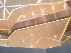 Staklene ograde Elegant - stranični sistem D50 - Hotel Hilton Beograd