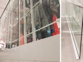 Staklene ograde Elegant - stranični sistem FX50 - H&M Kragujevac Plaza