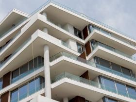 Staklene ograde Elegant - usadni sistem CA50 - Dukley Residences Budva
