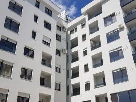 Staklene ograde Elegant - nasadni sistem S40 - Rapid Central Residence Novi Sad