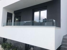Staklene ograde Elegant - nasadni sistem S40 - Villa Mia Novi Sad